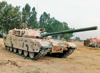 奈及利亞反恐作戰 出動陸製VT4戰車