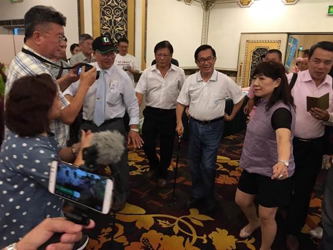 前總統陳水扁8日晚間出席台中「台灣國13周年感恩餐會」。(馮惠宜攝)