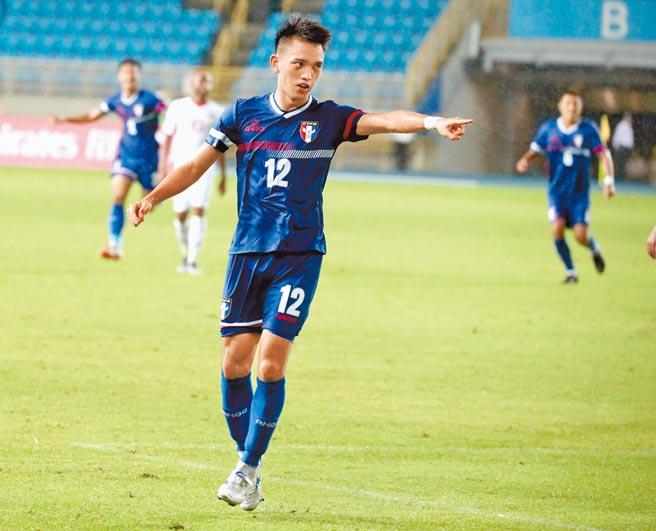 中華足球隊5日在世界盃足球賽亞洲區資格賽小組賽出戰約旦,溫智豪在下半場踢進中華隊唯一進球後。終場中華隊以1:2敗給約旦。(鄭任南攝)
