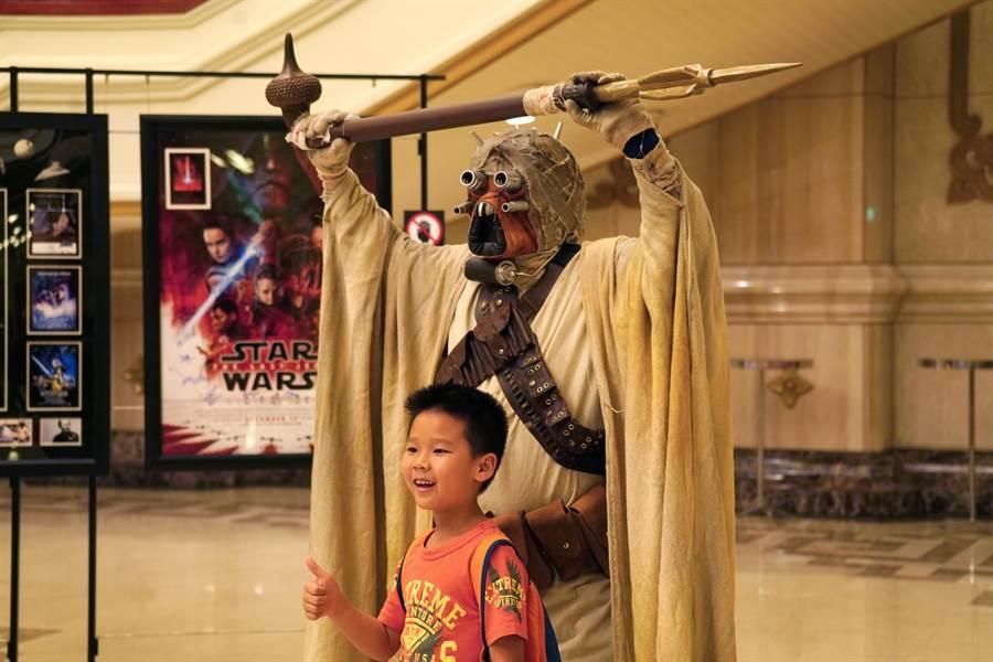 《星際大戰》系列電影音樂會讓音樂廳的觀眾熱血沸騰,現場有如星際同樂會。(牛耳藝術提供/李欣恬台北傳真)