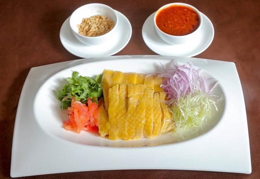 「錦繡口水雞」的醬料為主廚秘製,川辣滋味相當開胃。(盧禕祺攝)