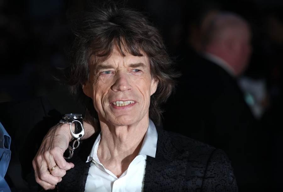 英國搖滾傳奇人物、「滾石樂團」(The Rolling Stones)主唱米克傑格(Mick Jagger)批評美國總統川普粗暴無禮、滿口謊言,還「撕毀」美國在環保上的各項措施。(圖/Shutterstock)