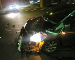 兩車碰撞 1女乘客挫傷