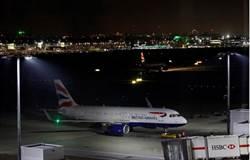 強森頭大 英航大罷工幾乎100%航班取消