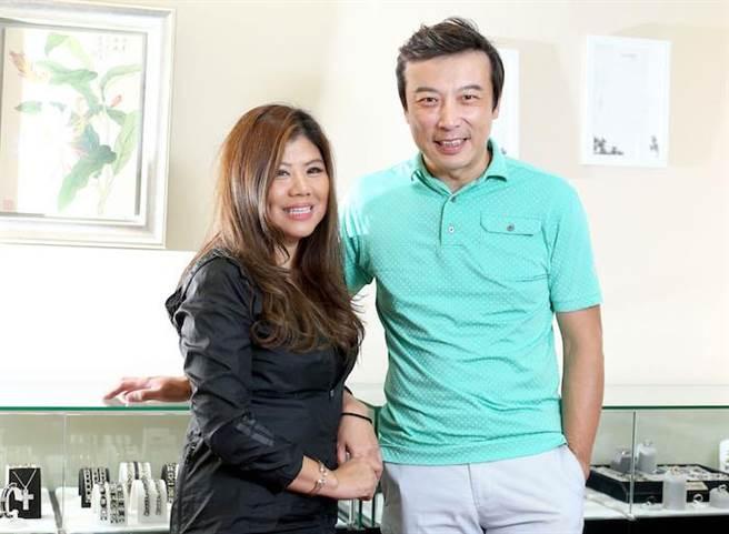 林煒與女友Cora的直播事業各司其職,他負責硬體,她負責找同級別的產品。粘耿豪攝