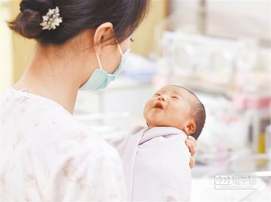 國內新生兒聽力篩檢率達到98.1%。(資料照片)