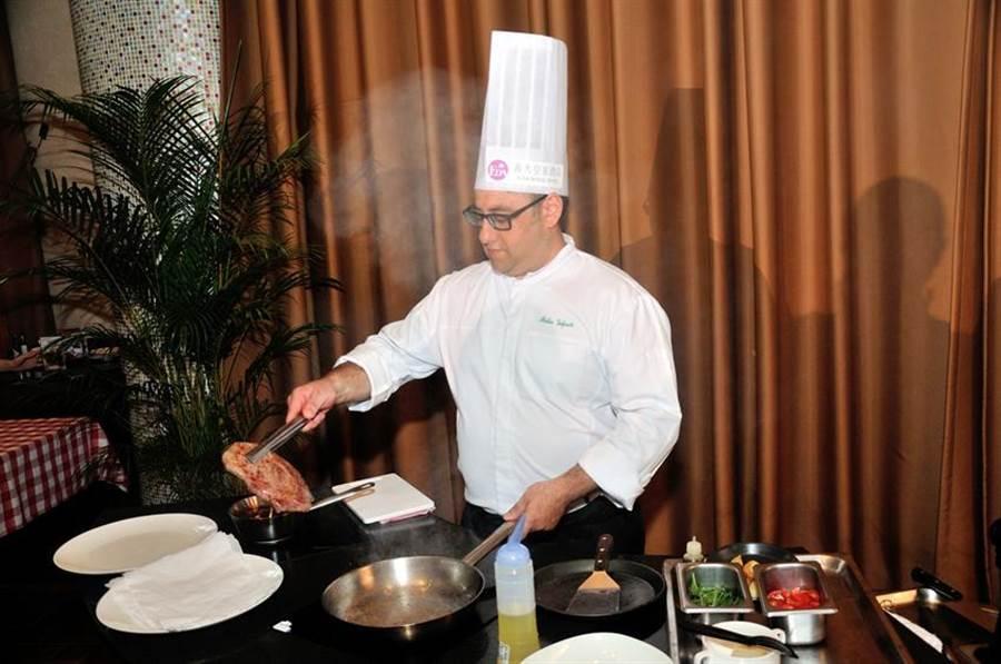 義大利籍知名主廚法比歐來義大皇家飯店展開新的料理旅程。(圖/義大皇家提供)
