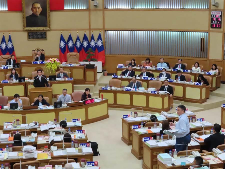 議會質疑市府動用刪除的預算。(葉德正攝)