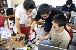 模擬機器人送貨 台科大與日本頂尖大學生打造推車機器人
