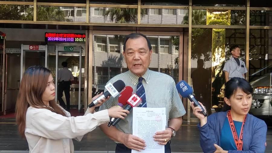 林憲同告郭台銘背信要他退黨道歉賠百億。(王己由攝)