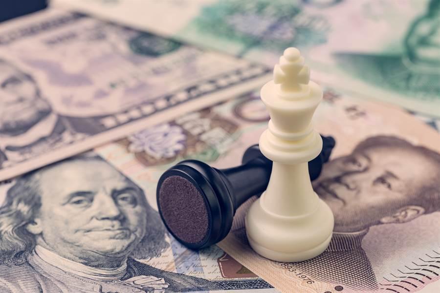 美國財政部長梅努欽透露,下次陸美貿易談判的重點將談及人民幣匯率操縱的問題。(圖/達志影像)
