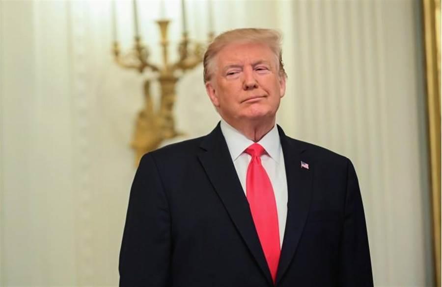 如果「推特總統」的家臣們明年能夠再度保送他坐穩白宮的話,「川普王朝」便不只是一句玩笑話了。