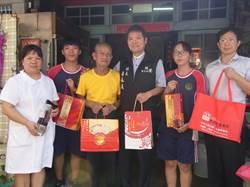 北港鎮關懷獨老 學生自製養生月餅送愛心