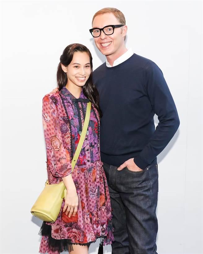 日本區代言人水原希子Kiko Mizuhara,與COACH執行總監Stuart Vevers。(COACH提供)