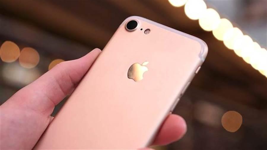 蘋果新機上市後,舊款手機跟著降價。(圖/翻攝9to5mac)