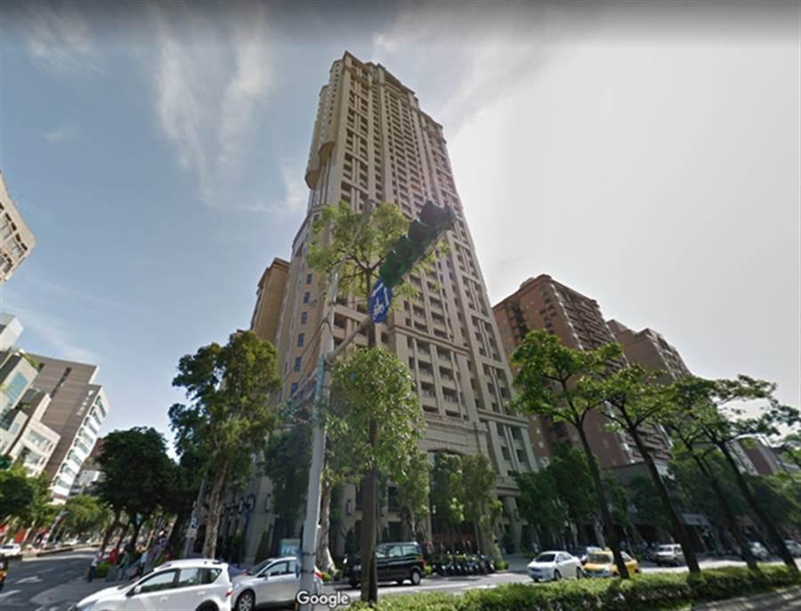 北市大安區指標豪宅「和平大苑」。(摘自Google地圖)