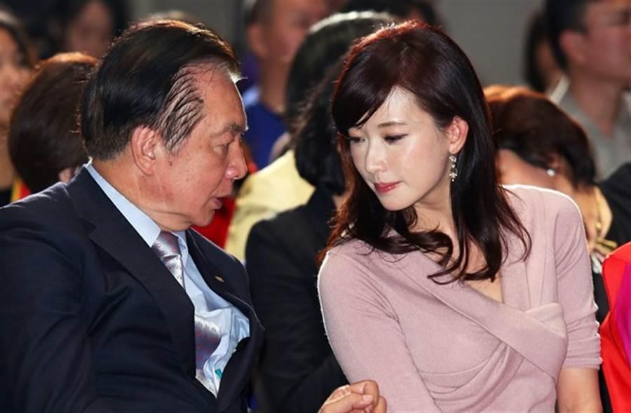 林繁男與女兒林志玲。(本報系資料照)