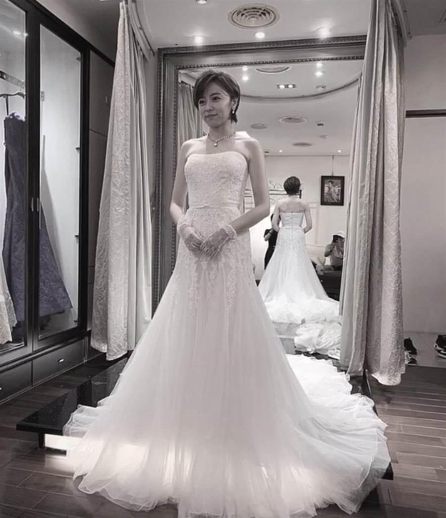 王瞳7月中為戲試婚紗,當天沒拍戲的馬俊麟被發現出現在同個地方。(讀者提供)
