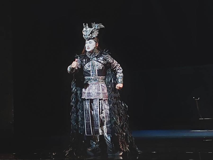 將搖滾樂結合京劇,國家文藝獎得主吳興國,帶領當代傳奇劇場新生代演員的顛覆傳統戲曲之作〈蕩寇誌〉,是改編自文學經典《水滸傳》108條好漢故事裡的第三部曲,將再重演。(李欣恬攝)
