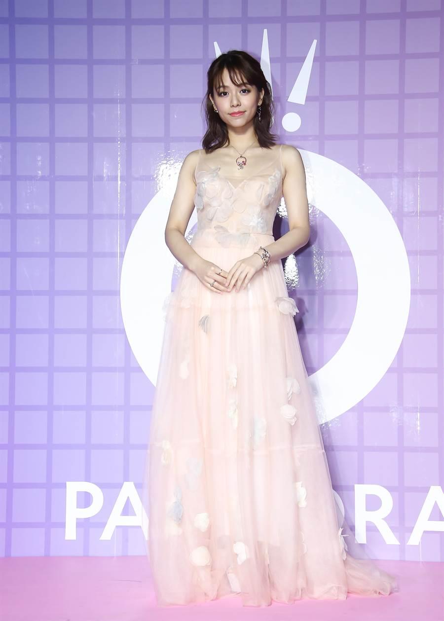 宋芸樺身穿一襲浪漫粉紅禮服出席PANDORA派對。(羅永銘攝)