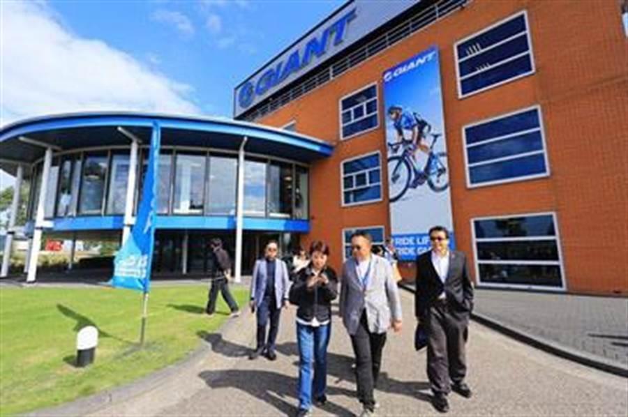 台中市長盧秀燕參訪荷蘭萊莉斯塔德捷安特歐洲分公司。(台中市新聞局提供/盧金足台中傳真)