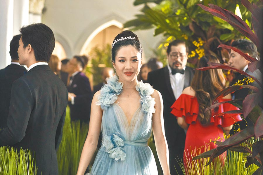 談論女性、種族議題的《瘋狂亞洲富豪》被爆薪水差別待遇。(華納兄弟提供)