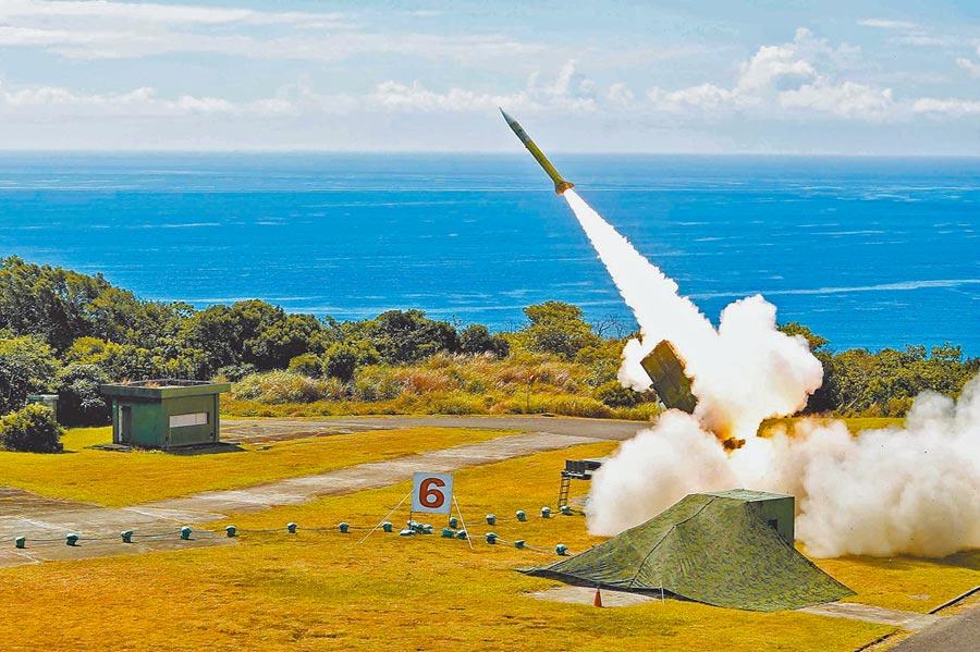 2018年6月5日,漢光演習國軍在屏東九鵬基地進行愛國者二型飛彈實彈射擊。(國防部提供)