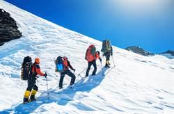 男登山失蹤友找43年 冰河挖出遺體:他呼喚我