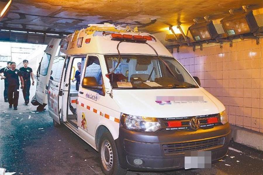 台灣曾經發生精神病患將救護車開走的事件,現有以營養方式改善病況的醫療指引。(資料照片)