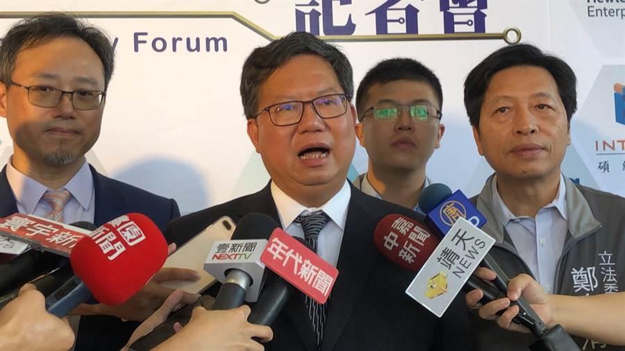郭董退黨,桃園市長鄭文燦樂見第三組總統候選人。(蔡依珍攝)