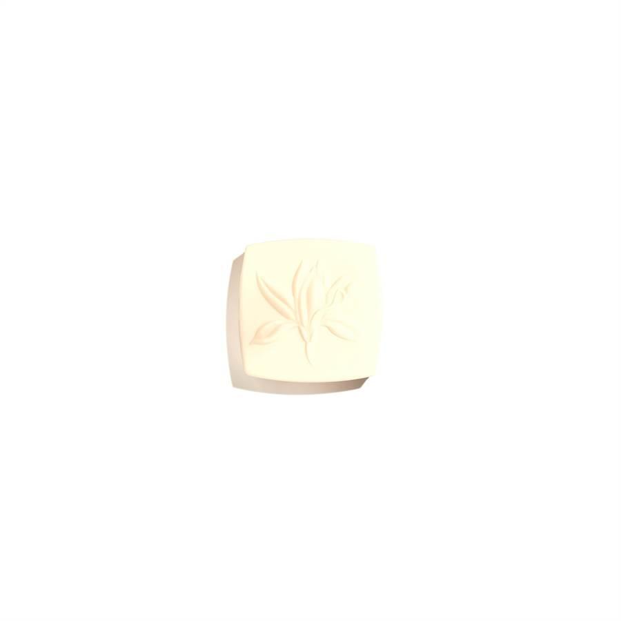 香奈兒奢華金燦賦活潔顏皂115g,3050元。(香奈兒提供)