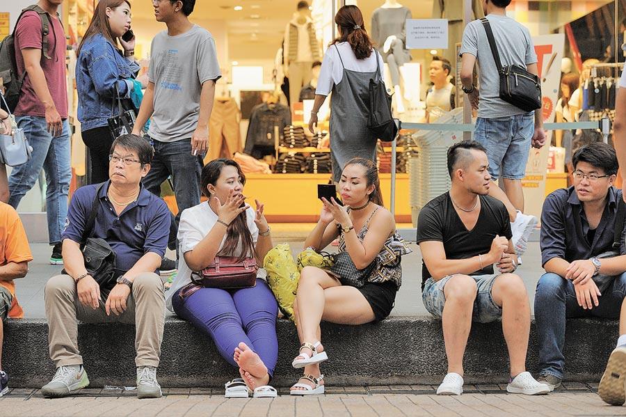 大陸赴台遊客數量銳減。圖為西門町。(本報系資料照片)