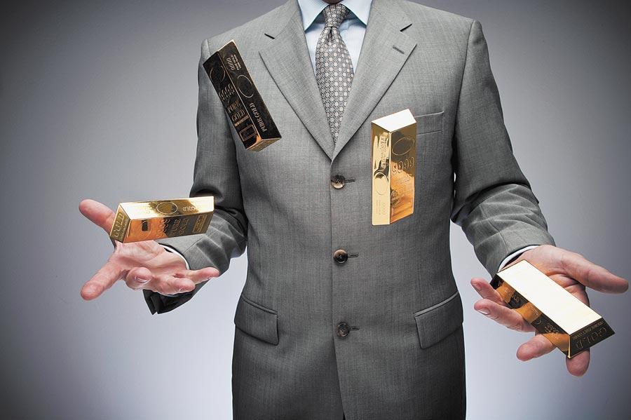 國際金價繼續下探,專家稱抄底需謹慎。(CFP)