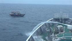 日海保巡邏船在專屬經濟海域遭北韓武裝高速艇持槍恐嚇