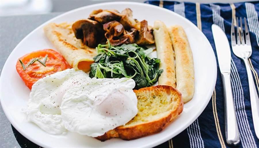 營養師建議,每星期吃一兩次很少吃的食物,可以避免營養素壟斷。(圖片來源:pixabay)
