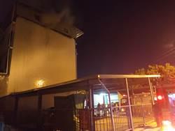 桃園鐵皮屋加蓋火警  2人受困獲救