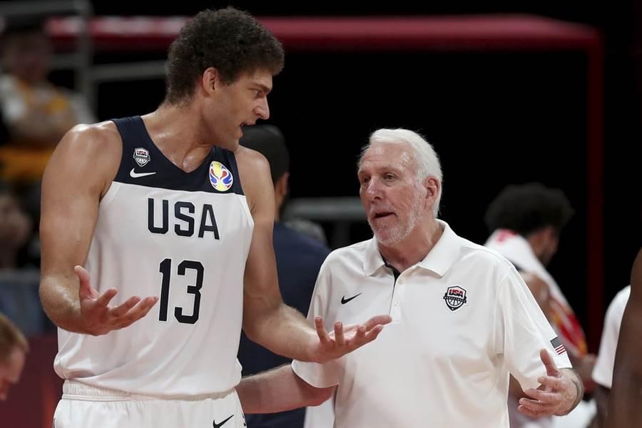 美國總教練帕波維奇認為批評這支美國隊失敗,是種很不尊重的行為。(美聯社)