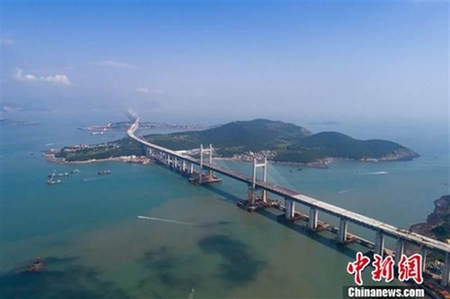 世界最長跨海公鐵兩用大橋9月底貫通 明年通車。(照片取自中新網)