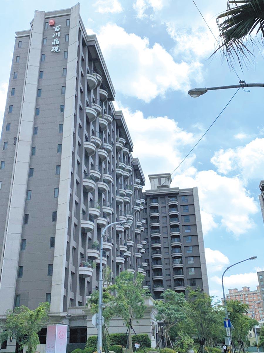 「百川晶硯」位大有商圈中心,為區域內指標建案。圖/永慶房產集團提供