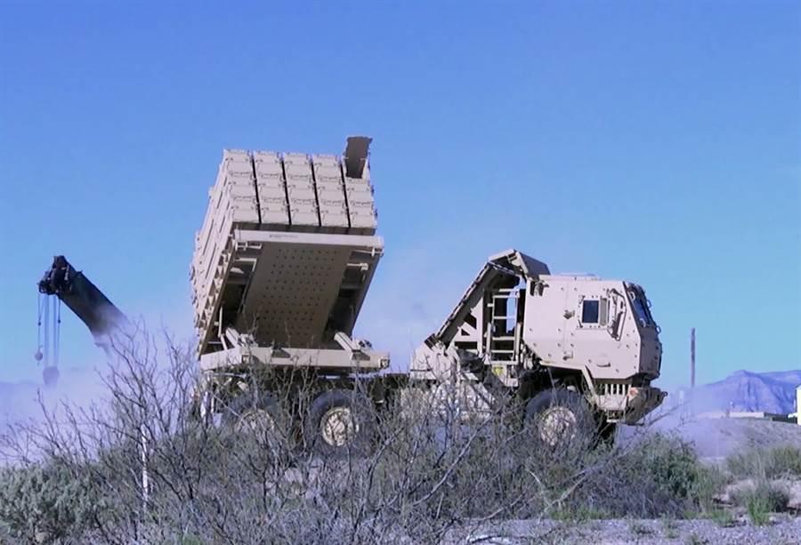第6層的低成本遠程防空系統,飛彈儲量比愛國者系列更多,外觀很像以色列鐵穹,但射程長,是最高層防禦。(圖/美國陸軍)