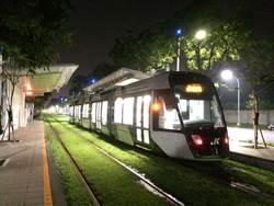 中鋼新購高雄輕軌列車 行駛一階輕軌14個站測試