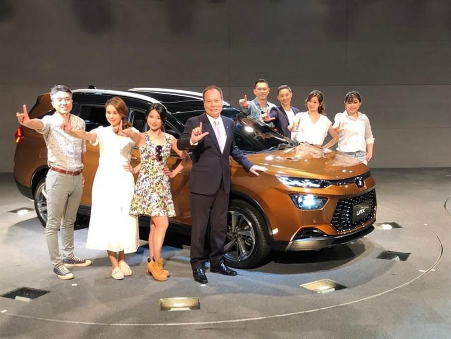 納智捷汽車16日上午首度公開全新5+2人座休旅車URX,預計第四季發表上市,宣示繼續經營品牌的決心。(圖/陳信榮)