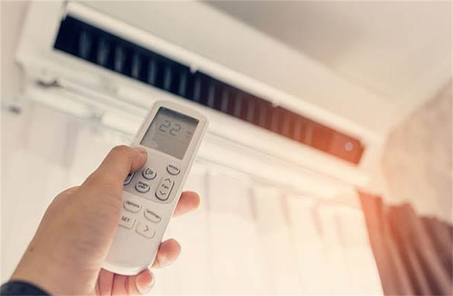 吹冷气导致排汗能力下降,身体中累积的毒素无法流汗排出去。(达志)