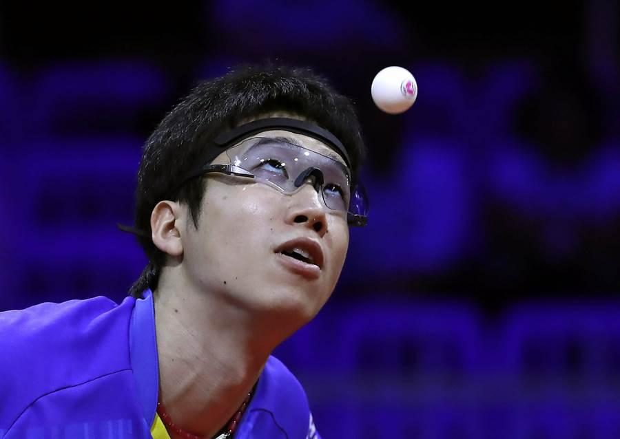 日本桌壇好手水谷隼由於視力問題導致國際賽成績不佳,如今必須換一副好的墨鏡才能和丹羽孝希爭奪東奧門票。(美聯社資料照)