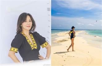 53歲劉嘉玲泳裝超狂高衩!長腿被看光 轉身美尻彈出