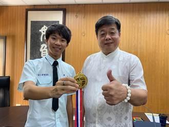 從小愛泡科博館 吳思翰奪地科奧林匹亞金牌