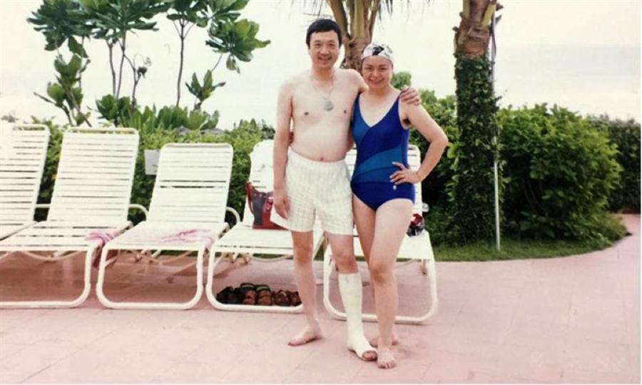 帶著石膏腿,楊威孫依然活力旺盛,不讓生活被病痛打擾。(圖片來源:楊威孫提供)