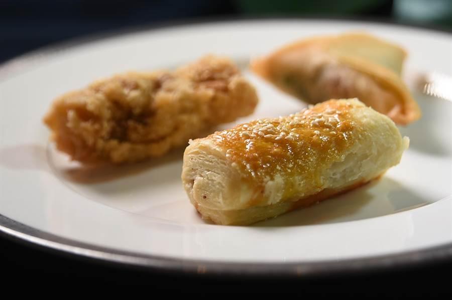 除了丰富多样的加拿大美馔,〈文华Cafe'〉加国美食节期间仍可尝到东西方各式美食,包括米其林一星中餐厅〈雅阁〉团队设计的中式港点。(图/姚舜)