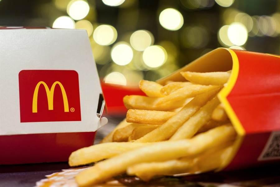女網友深夜叫麥當勞外送,意外收到外送員特別款待。(示意圖/達志影像)