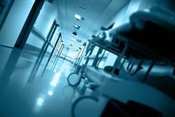 車禍瀕死男走出急診室 護理師一問嚇壞